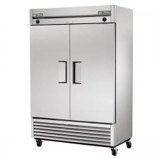 Reach-In Refrigerator Freezer